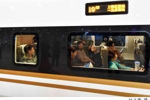 主张火车增设青年票深耕教育30余年这位委员热心为青少年发声